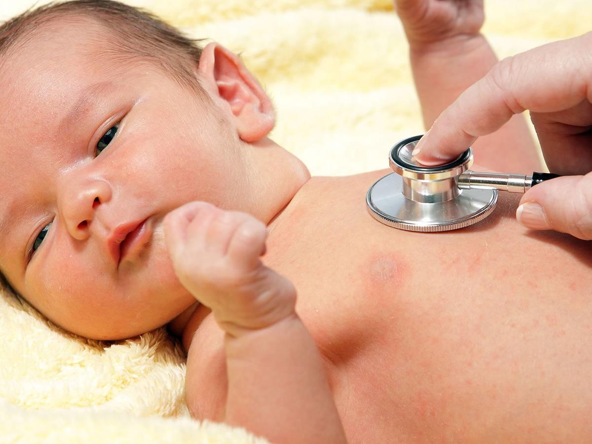 Як і чим лікувати кашель у дитини 6 місяців
